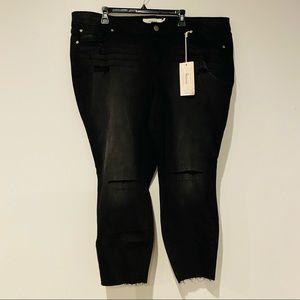 Torrid Stiletto Ankle Fray Hem Slit Skinny Jeans